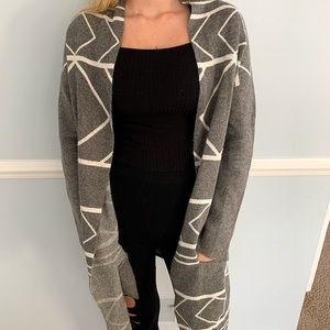 Grey Tribal Pattern Cardigan🔷